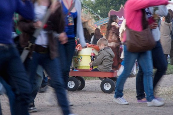 glastonbury-kid-on-truck
