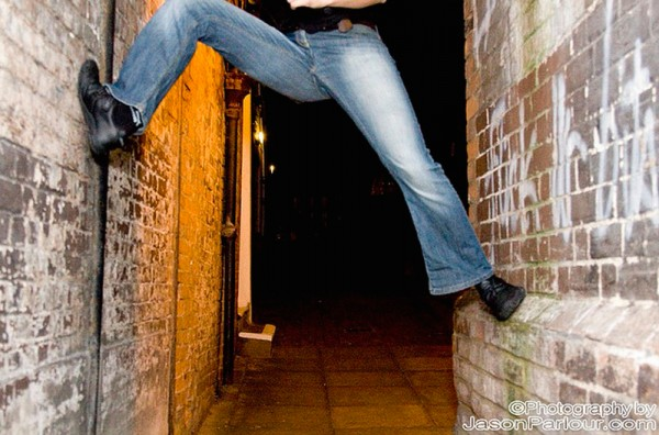 jeans-climbing