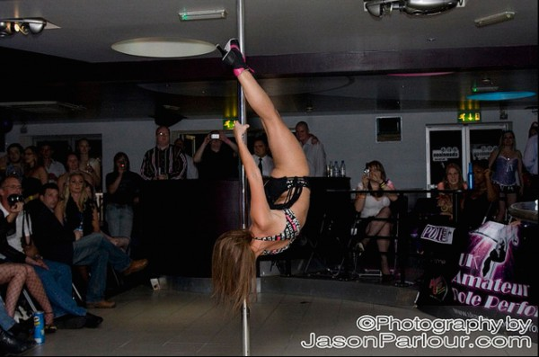 Lisa, performing at the UKAPP Wokingham heat.